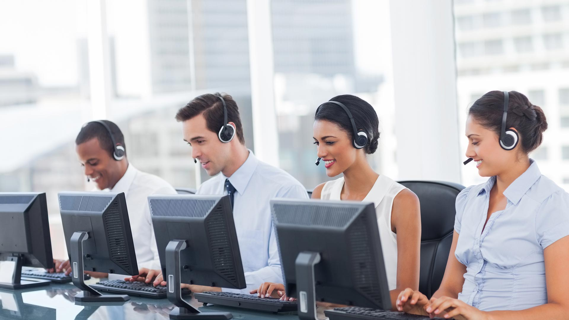 bpo call centre Bpo vs call center bpo and call center are very similar concepts and have become very common p0lace terms these days however, difference between a bpo and call center is what confuses many and it is easy to see why.